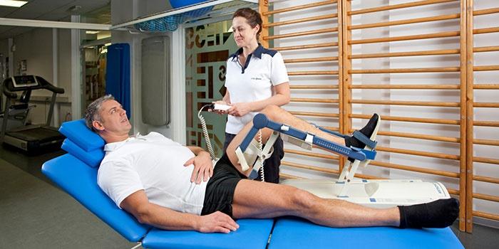 Массаж после эндопротезирования коленного сустава видео